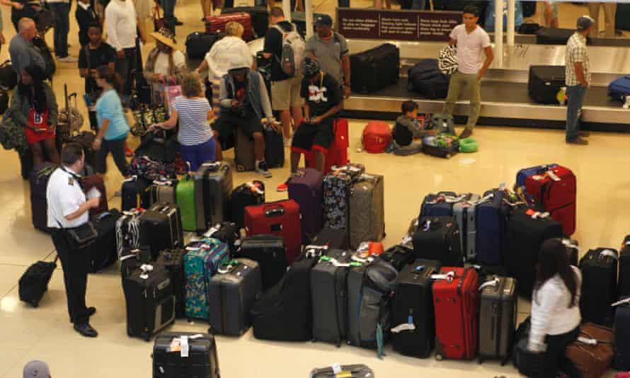 passengers stranded at washington airport