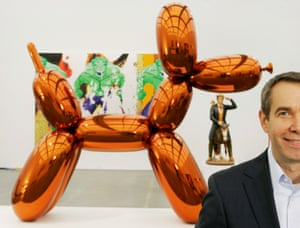 Jeff Koons with his Balloon Dog, on display at Chicago's Museum of Contemporary Art.