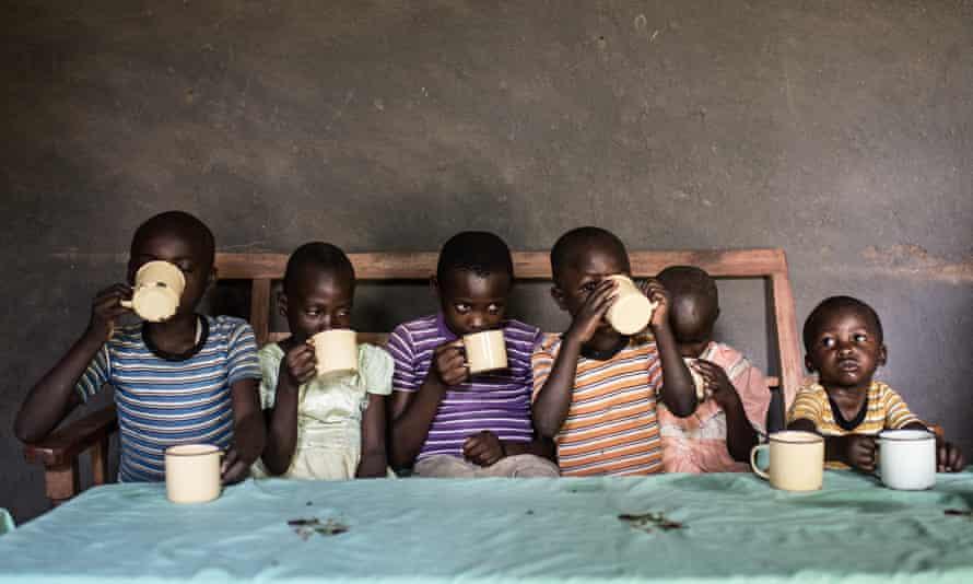 Children drink tea in western Kenya