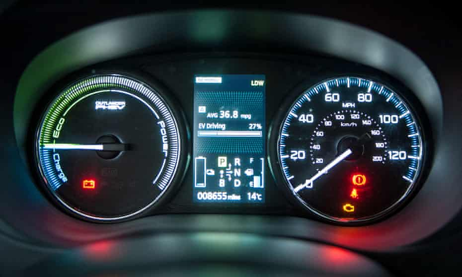US regulators want hybrid and electric cars to give audible warnings at low speeds.