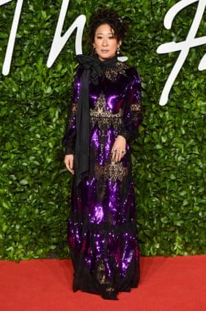 The actor Sandra Oh wearing Erdem