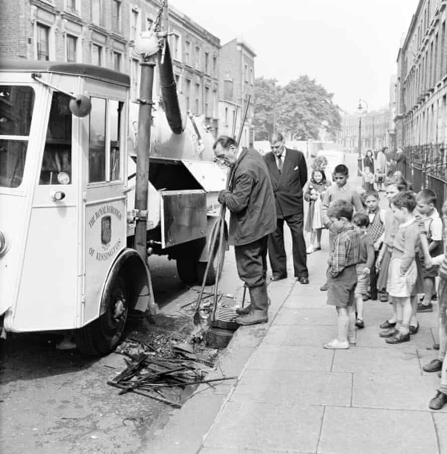 Roger Rogowski (in white shorts) in Edenham Street, north Kensington in 1959.