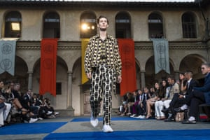 Roberto Cavalli Fashion Show - 94. Pitti UomoFLORENCE, ITALY - JUNE 13: A model walks the runway at the Roberto Cavalli show during the 94th Pitti Immagine Uomo on June 13, 2018 in Florence, Italy. (Photo by Pietro D'aprano/WireImage)