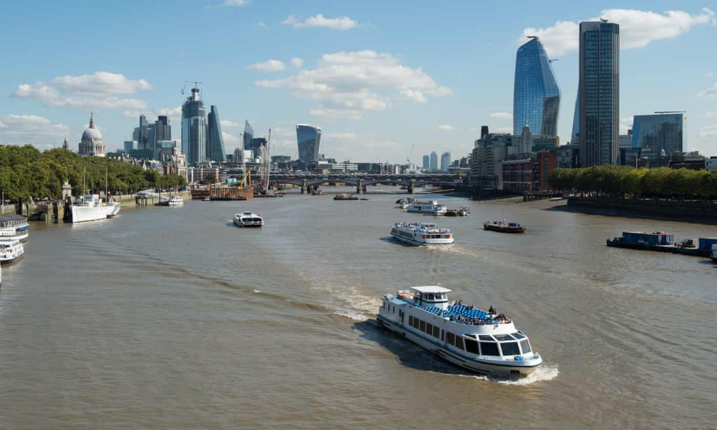 Three swimmers missing in river Thames