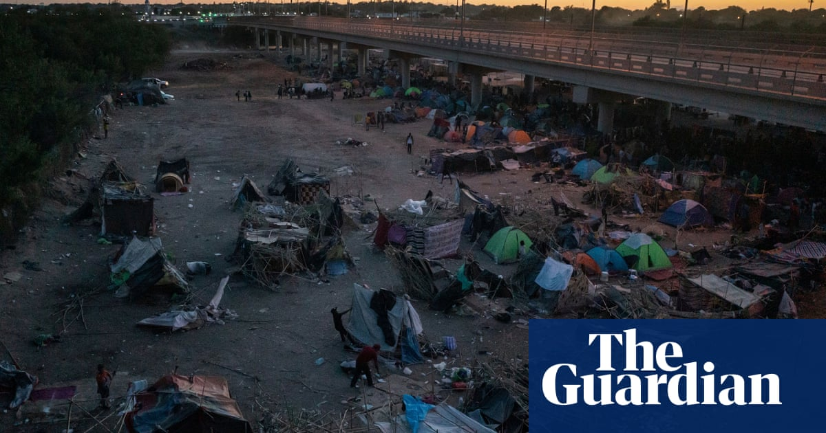 'Sleeping in the dust': migrants face harsh conditions in Del Rio as 5,000 remain