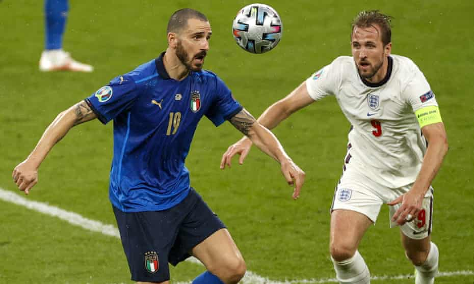 Harry Kane challenges Leonardo Bonucci on a night when the England captain struggled to see the goal.