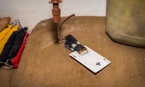 Playing card IED detonator