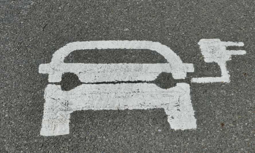 Signing up to the different charging networks will make travelling in the UK much easier.
