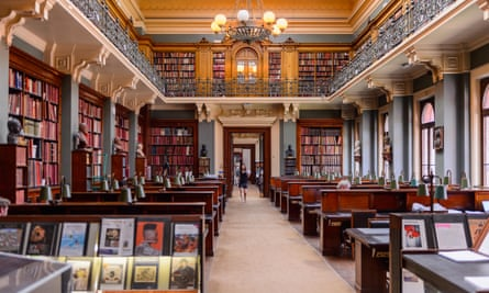 LONDON, ENGLAND - JULY 23, 2016: National Art Library, Victoria and Albert Museum, London. It was founded in 1852PBP0YP LONDON, ENGLAND - JULY 23, 2016: National Art Library, Victoria and Albert Museum, London. It was founded in 1852