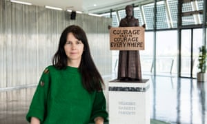 Artist Gillian Wearing with a model of suffragist leader Millicent Fawcett. She is the first female artist to create a statue for Parliament Square.