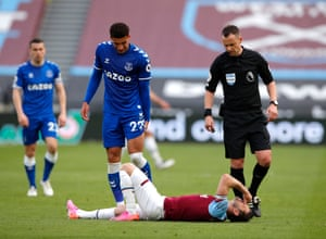 Aaron Cresswell goes down injured.