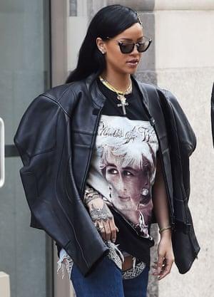 Rihanna in her Diana T-shirt