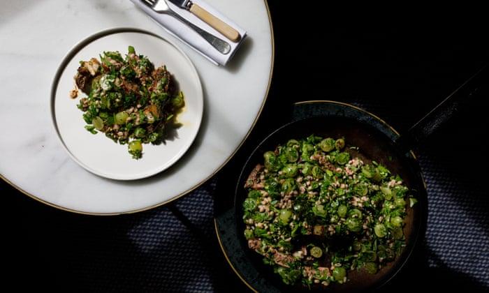 Seared sirloin salad with pearl barley, grapes and sumac