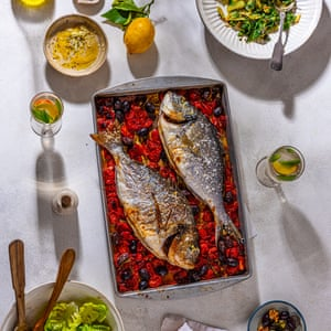 Baked bream with tomatoes, olives & rosemary