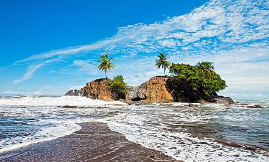Playa Dominical, Marino Ballena national park.