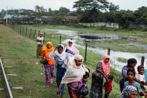Rohingya passengers get on board the Sittwe-Zaw Pu Gyar train