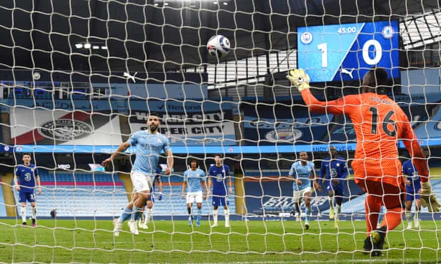 Manchester City's Sergio Agüero makes a mess of his penalty against Chelsea.