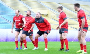 Alun Wyn Jones, Tomas Francis, Ross Moriarty, Aaron Wainwright and Josh Adams during training before the semi-final against South Africa.