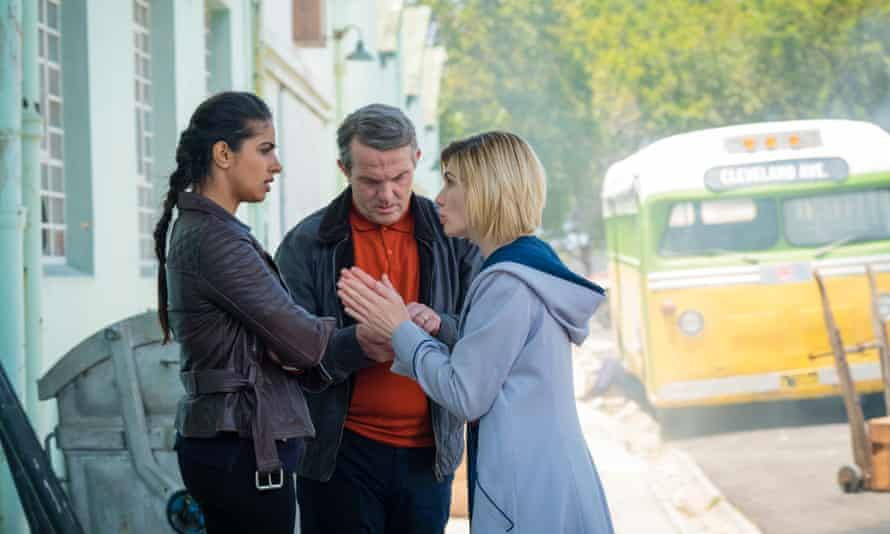 Yaz, Graham and the Doctor in Doctor Who