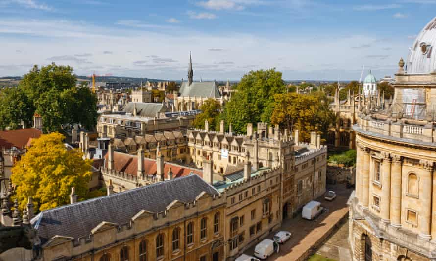 A high landscape view of Oxford.