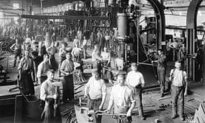 factory workers at the Daimler-Motoren-Gesellschaft in the year 1904.