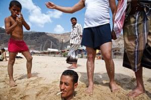 Aden, Yemen, 2007, by Maciej Dakowicz, from Bystander.