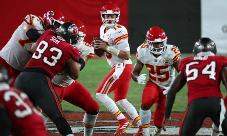 Patrick Mahome drops back to pass against the Tampa Bay Buccaneers