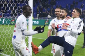 (From Left) Ferland Mendy plays, Jérémy Morel, Nabil Fekir, and Houssem Aouar celebrate Lyon's stunning victory over PSG two weeks ago.
