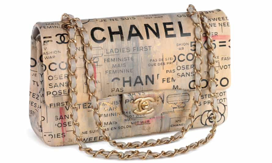 The V&A's new exhibition has sold out of advance tickets until early next year. It showcases iconic handbags from down the ages.