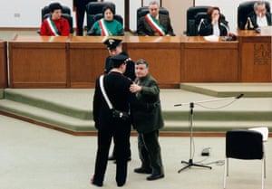 Mafia boss Salvatore 'Totò' Riina in court in 1993.