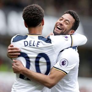 Tottenham Hotspur's Mousa Dembele and Dele Alli celebrate
