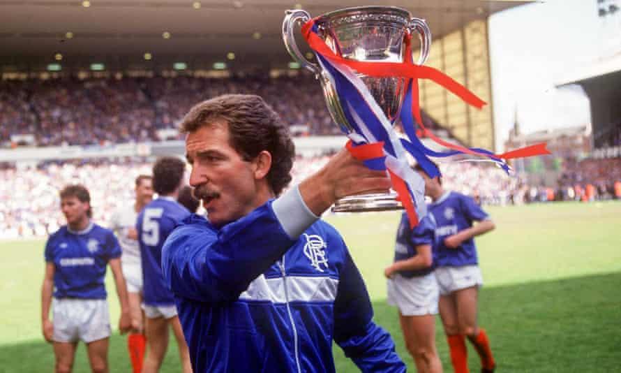 Graeme Souness shows off the league title in 1987.