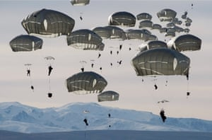 Louie Palu presents the gradual militarisation of the North American Arctic, from the legacies of the cold war to the increasing military presence, at a time when the Arctic is facing challenges such as global warming and the growth of international maritime traffic.Here, we see some of the 400 US paratroopers playing the role of an invading army, training for cold weather warfare. The photograph was taken was at Donnelly Training Area near Fort Greely, the US army launch site for anti-ballistic missiles, just below the Arctic Circle