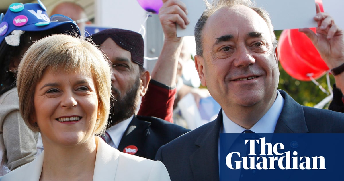 Sturgeon faces calls to resign over actions in Salmond crisis