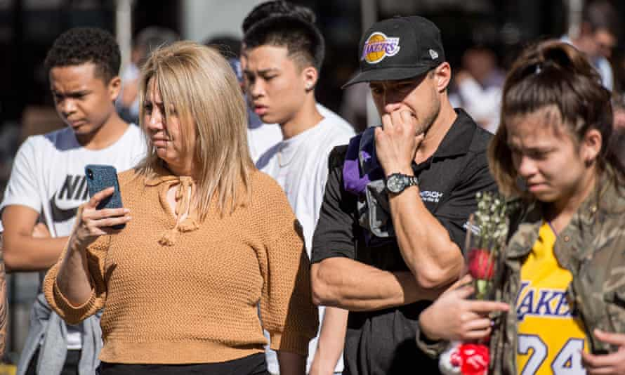 fans mourn bryant
