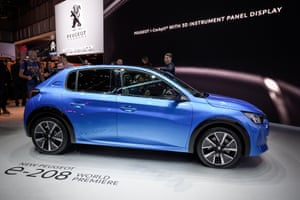 The Peugeot E-208 is another 100% electric urban vehicle with a 211 mile range. Peugeot guarantees the battery up to 100,000 miles.