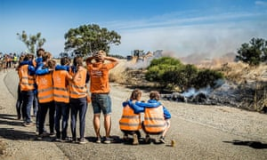 The solar car Nuna has had to pull out of the World Solar Challenge, a race from Darwin to Adelaide, as it caught on fire.