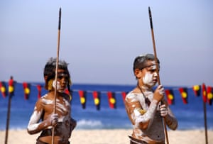 Traditionally dressed Aboriginal performers in Sydney