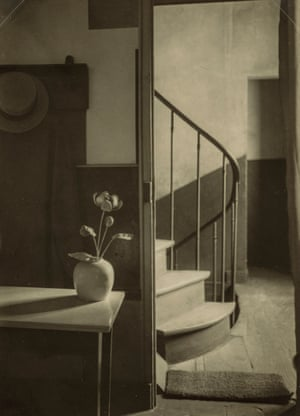 Chez Mondrian André Kertész (American (born in Hungary), 1894–1985) 1926 Photograph, gelatin silver print on carte postale *The Howard Greenberg Collection—Museum purchase with funds donated by the Phillip Leonian and Edith Rosenbaum Leonian Charitable Trust *Courtesy, Museum of Fine Arts, Boston