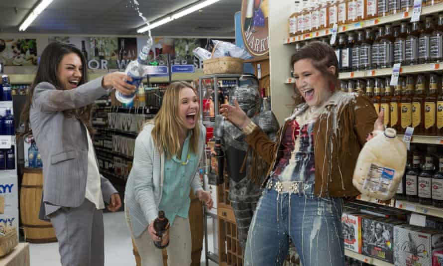 Mila Kunis, Kristen Bell and Kathryn Hahn in Bad Moms.