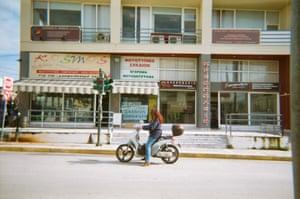 Daily life of asylum seekers in Samos