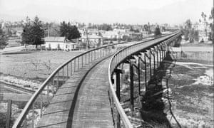 Pasadena cycleway, California, 1900.