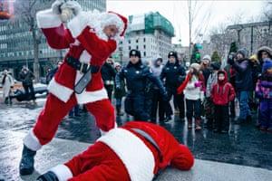 Billy Bob Thornton in Mark Waters' Bad Santa 2.