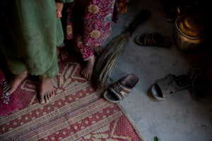 displaced children in Kandahar