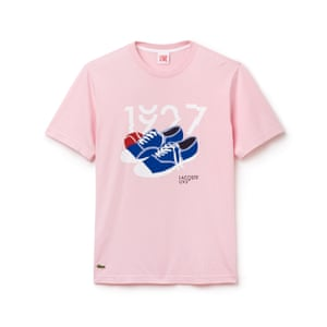 pink t-shirt with lace-up pumps print