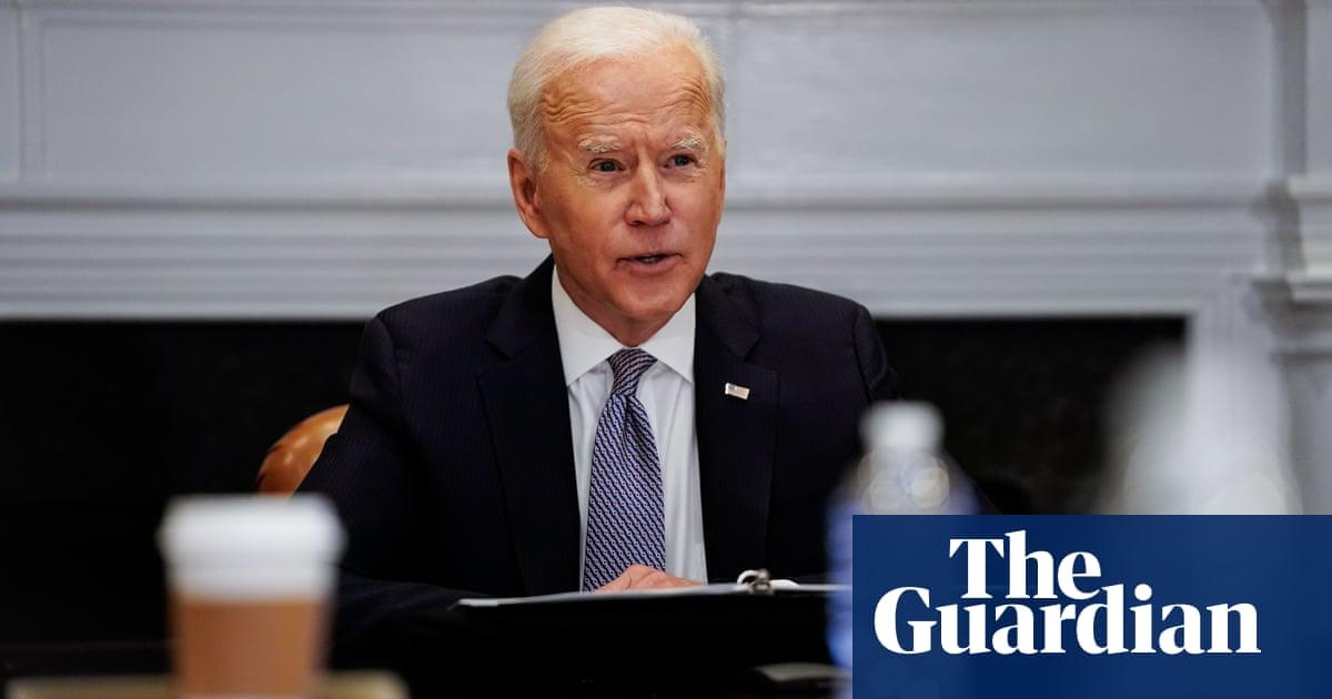 Biden urges Russia to de-escalate Ukraine tensions in call with Putin