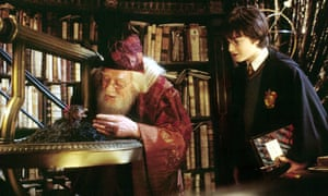 Daniel Radcliffe and Richard Harris in Harry Potter and the Chamber of Secrets (2002)