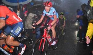 Ilnur Zakarin feels the pain at the Giro