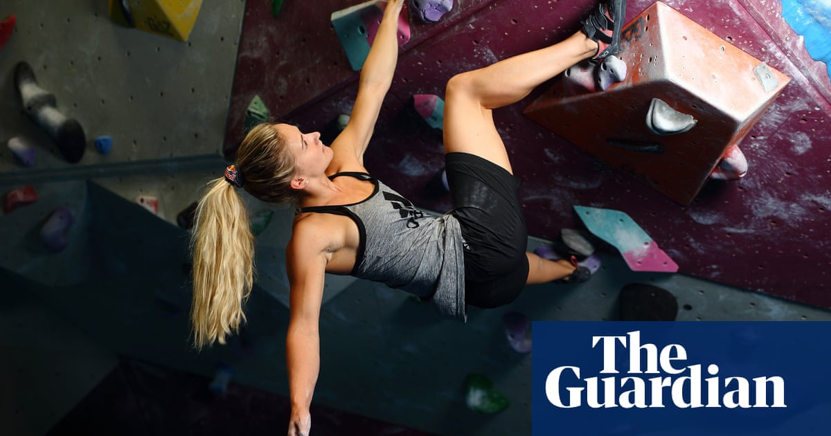 Climbing at the Olympics: how to dyno and scorpion like Shauna Coxsey
