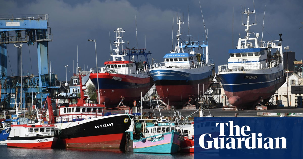 France threatens to cut UK and Jersey energy supply in fishing row